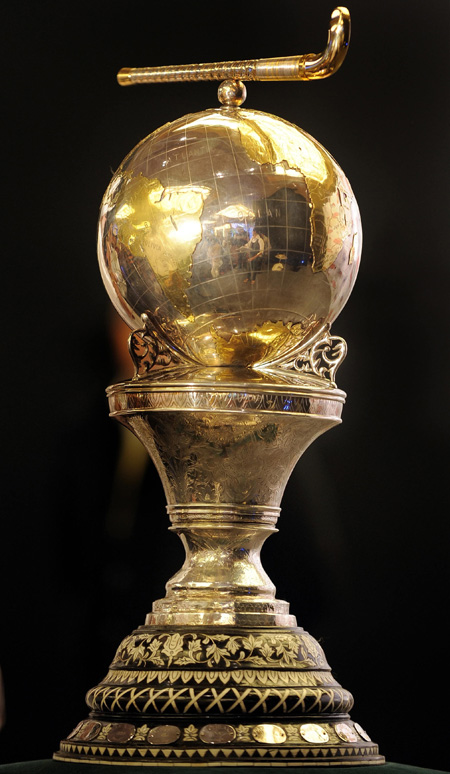 World Cup Cricket Trophy 1992. hockey world cup trophy